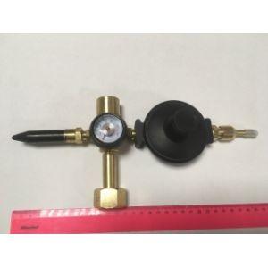 Редуктор с манометром, наклонным клапаном для шаров и насадкой для фольги  (Тайвань)